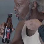 Kyrie Irving in vermomming werkt mee aan geniale publiciteitsstunt van Pepsi